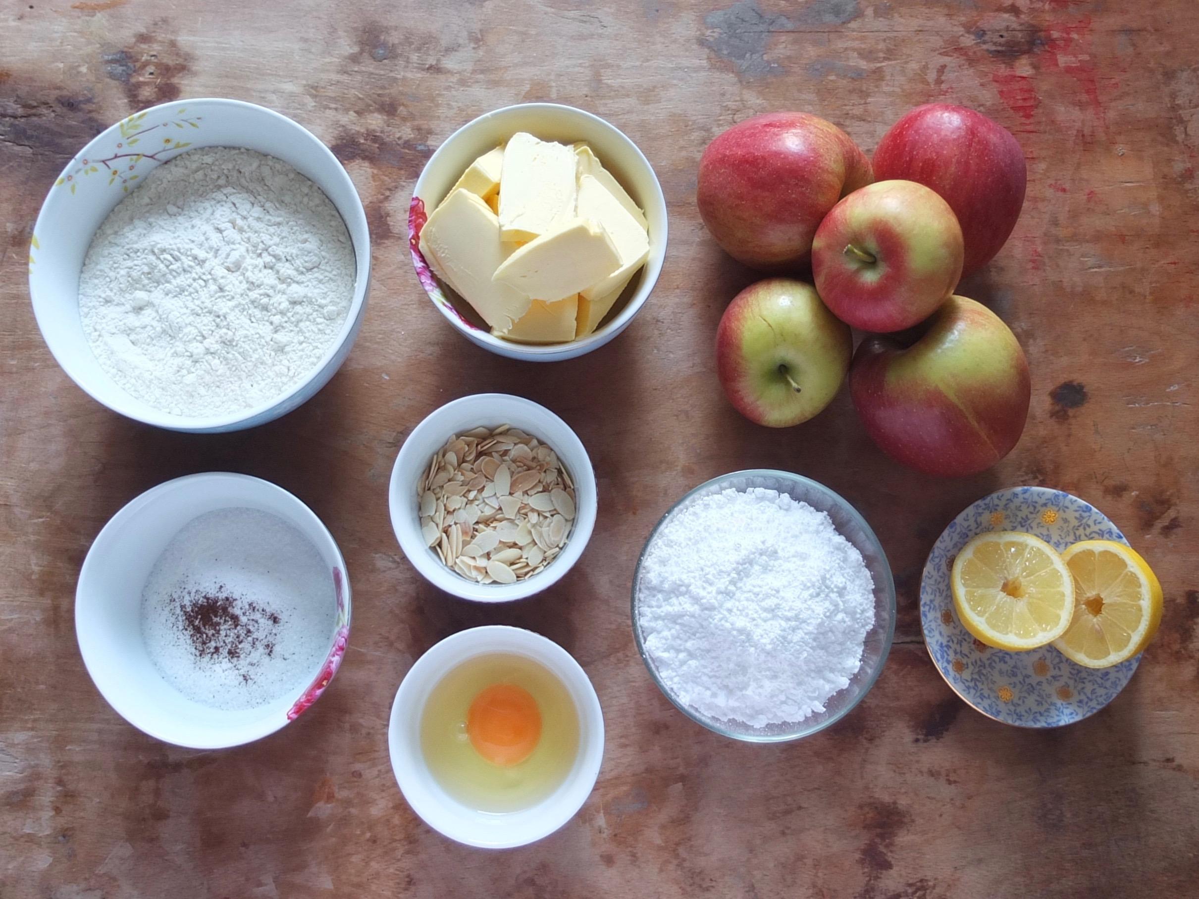 Zutaten Gedeckter Apfelkuchen - La Crema Patisserie Foodblog Backblog