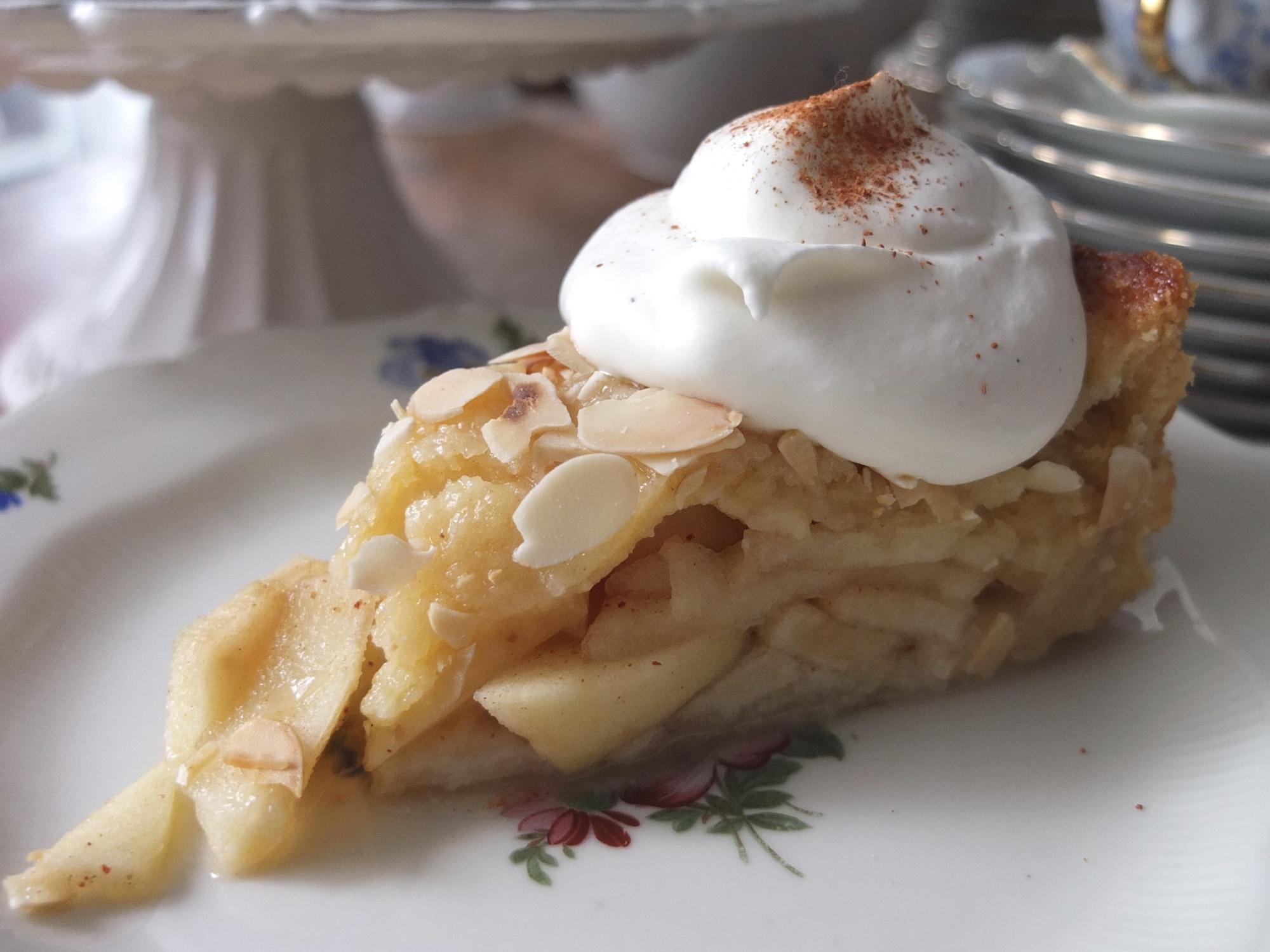 Gedeckter Apfelkuchen - La Crema Patisserie Foodblog Backblog