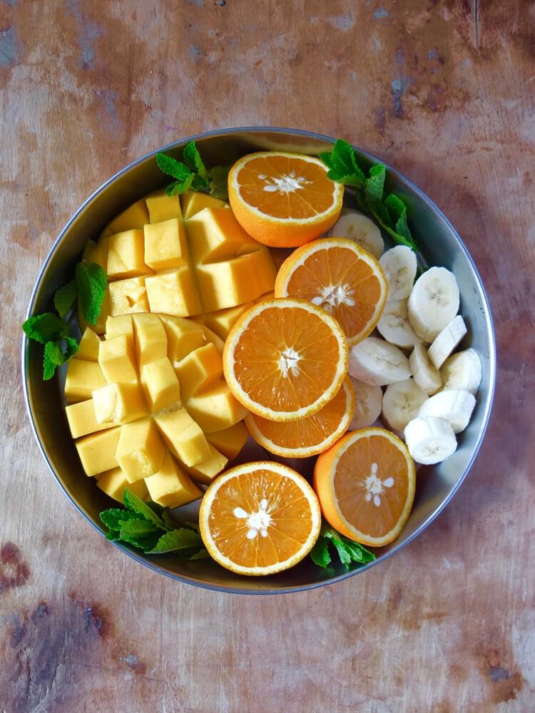 Zutaten Sommer-Smoothie mit Mango & frischer Minze - La Crema Patisserie Foodblog Backblog