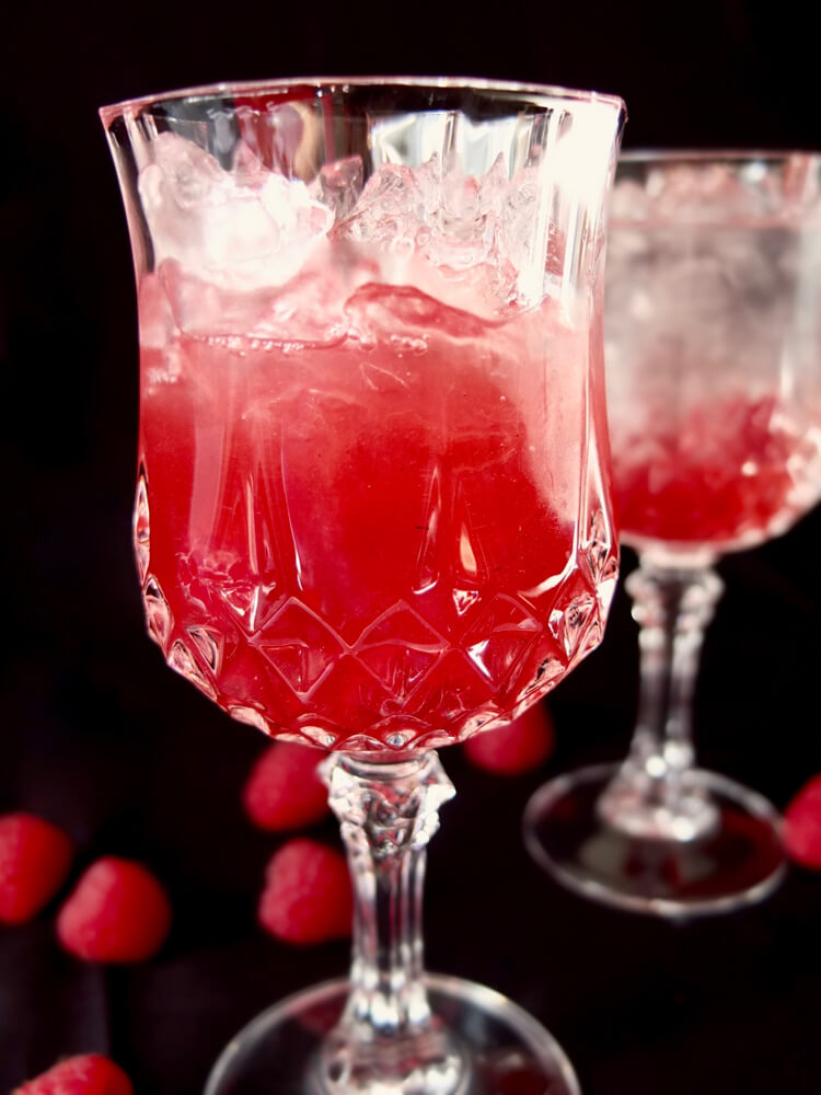 Himbeer-Rhabarber-Sirup - La Crema Patisserie Foodblog Backblog