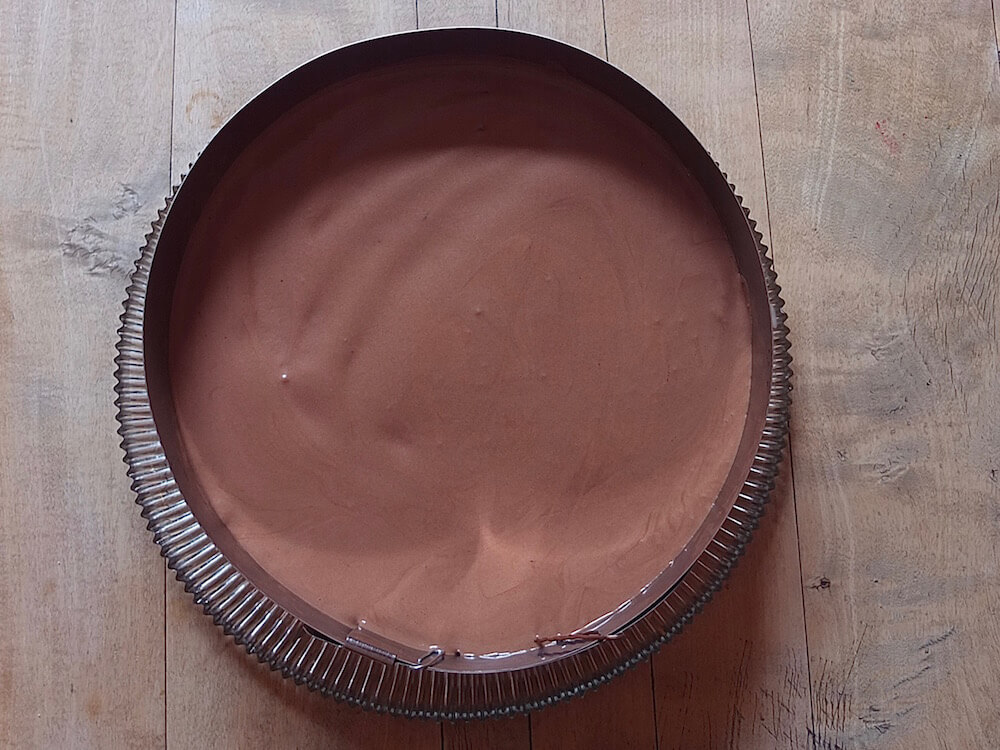 Zubereitung Himbeere-Schoko-Torte mit Mandelbiskuit - La Crema Patisserie Foodblog Backblog