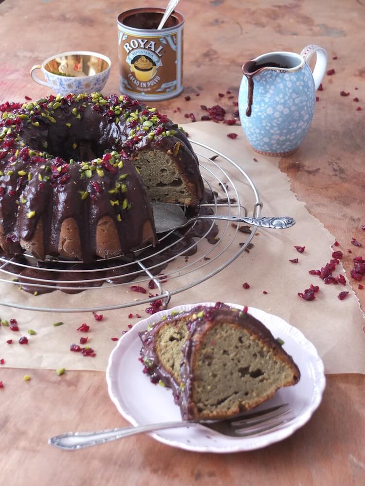 Paleo Matcha Cranberry Gugelhupf - La Crema Patisserie Foodblog Backblog
