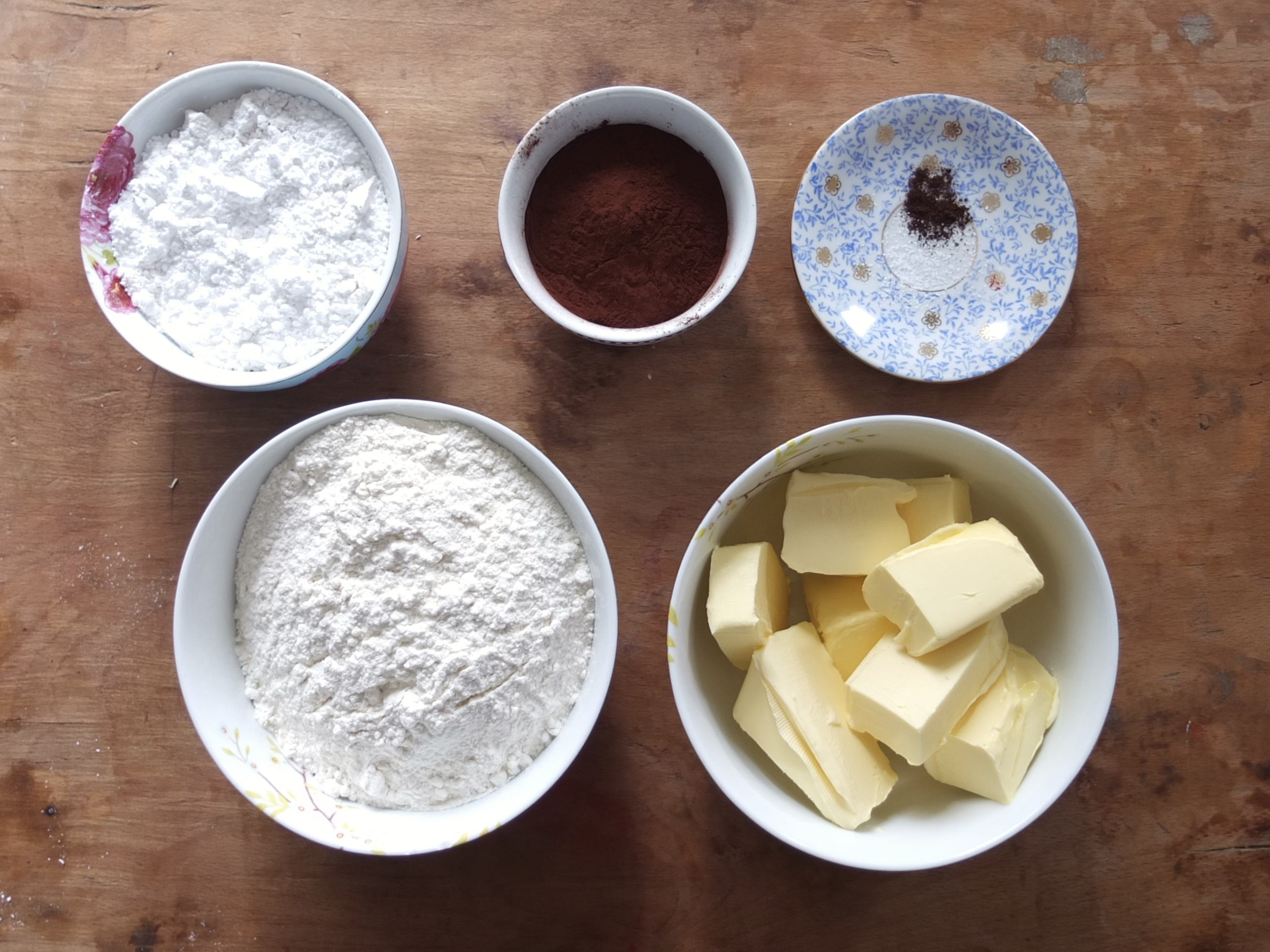 Zutaten für das Schwarz-Weiß-Gebäck | La Crema Patisserie Food- und Backblog