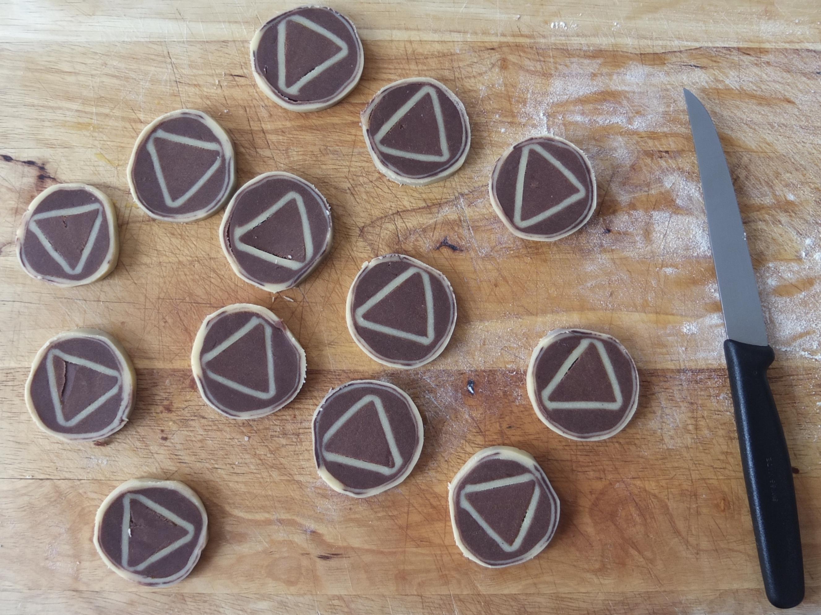 Zubereitung des Schwarz-Weiß-Gebäcks | La Crema Patisserie Food- und Backblog