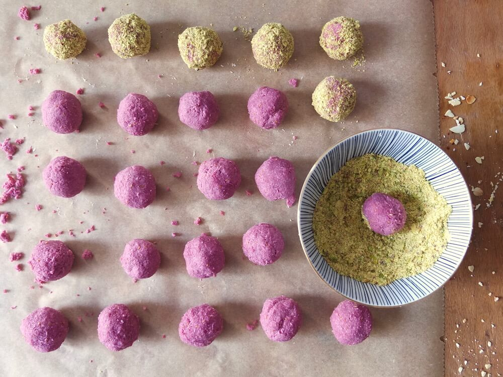 Zubereitung der Paleo Pralinen | La Crema Patisserie Food- und Backblog