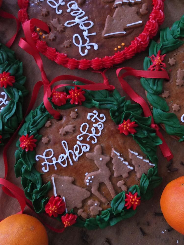 Weihnachtliche Lebkuchen Anhänger | La Crema Patisserie Food- und Backblog