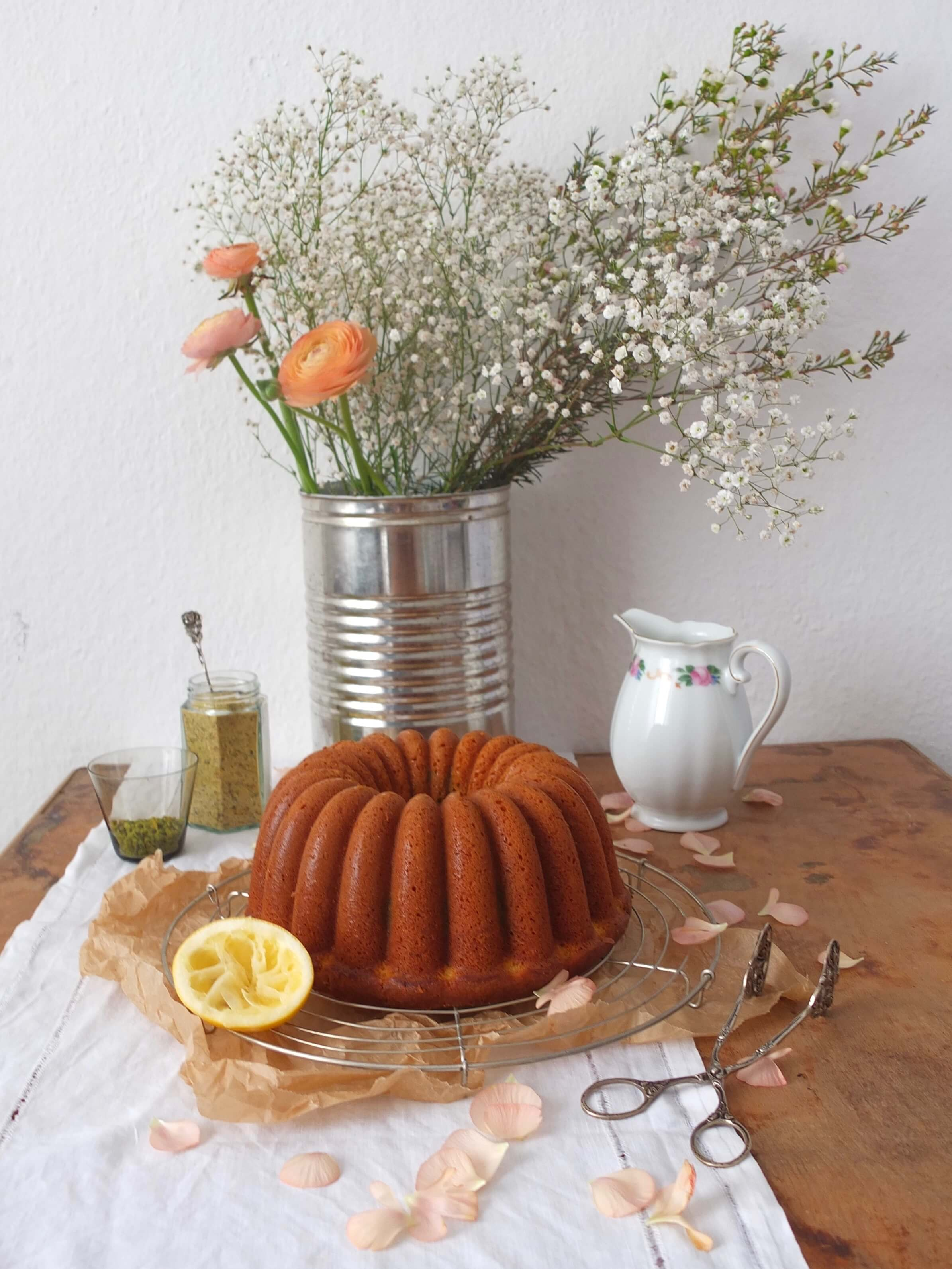 Joghurt-Matcha-Gugelhupf | La Crema Patisserie Food- und Backblog