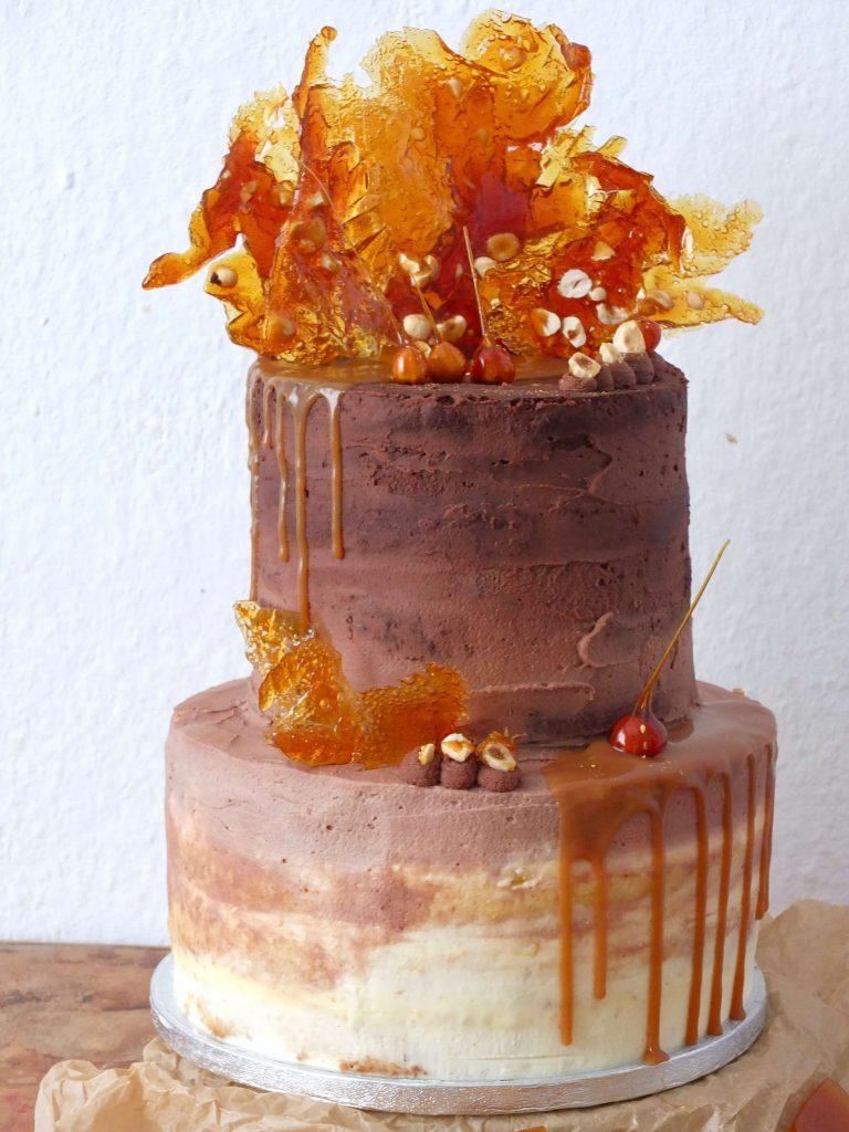 Ombre Schoko Karamell Torte Mit Gerösteten Haselnüssen La Crema