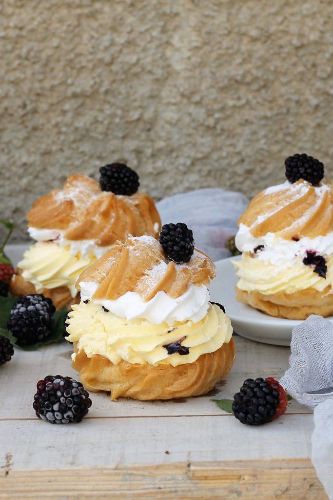 Windbeutel mit Vanillecreme und Brombeeren | Rezept