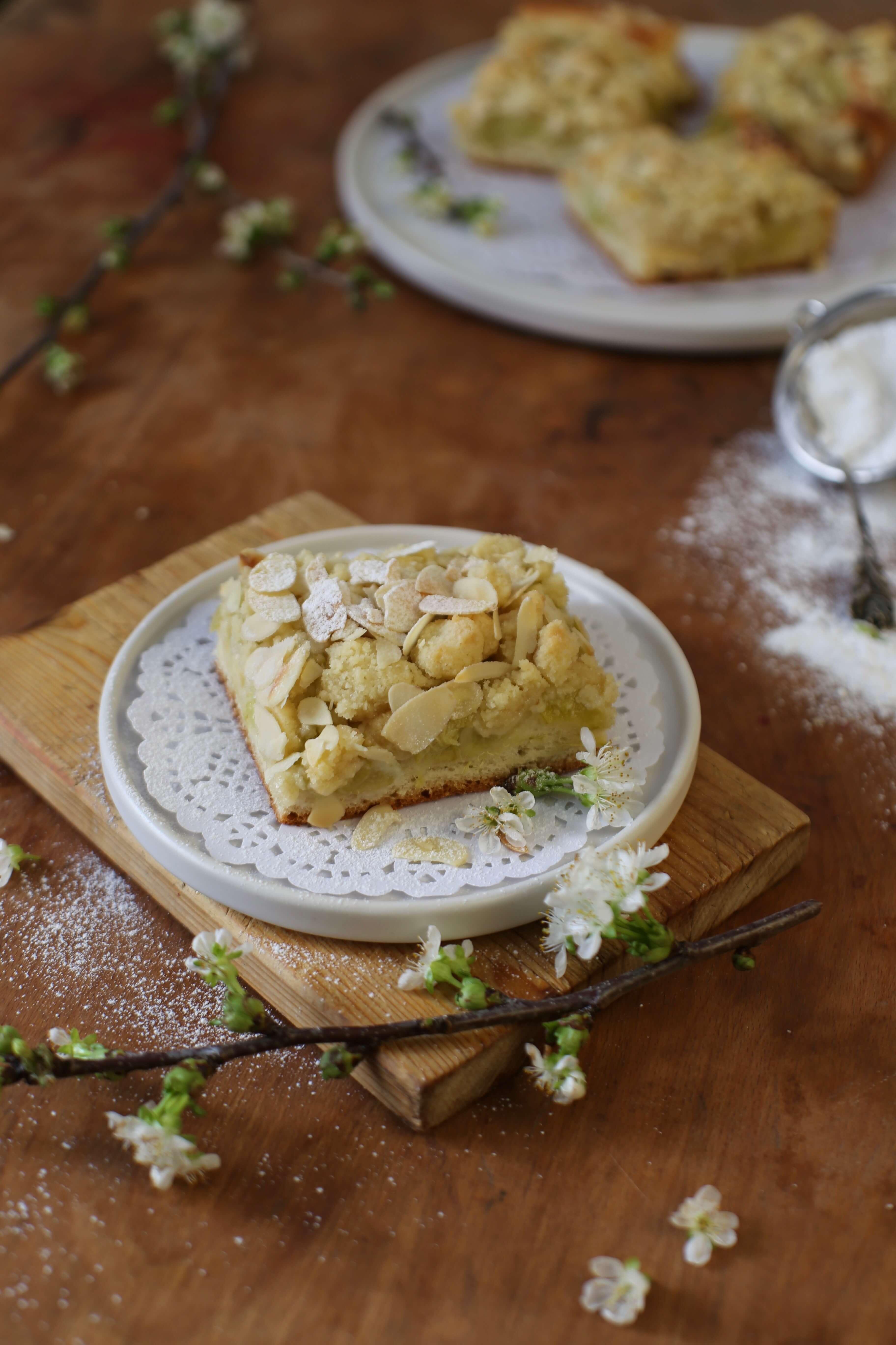 Rezept für Rhabarber-Streuselkuchen vom Blech