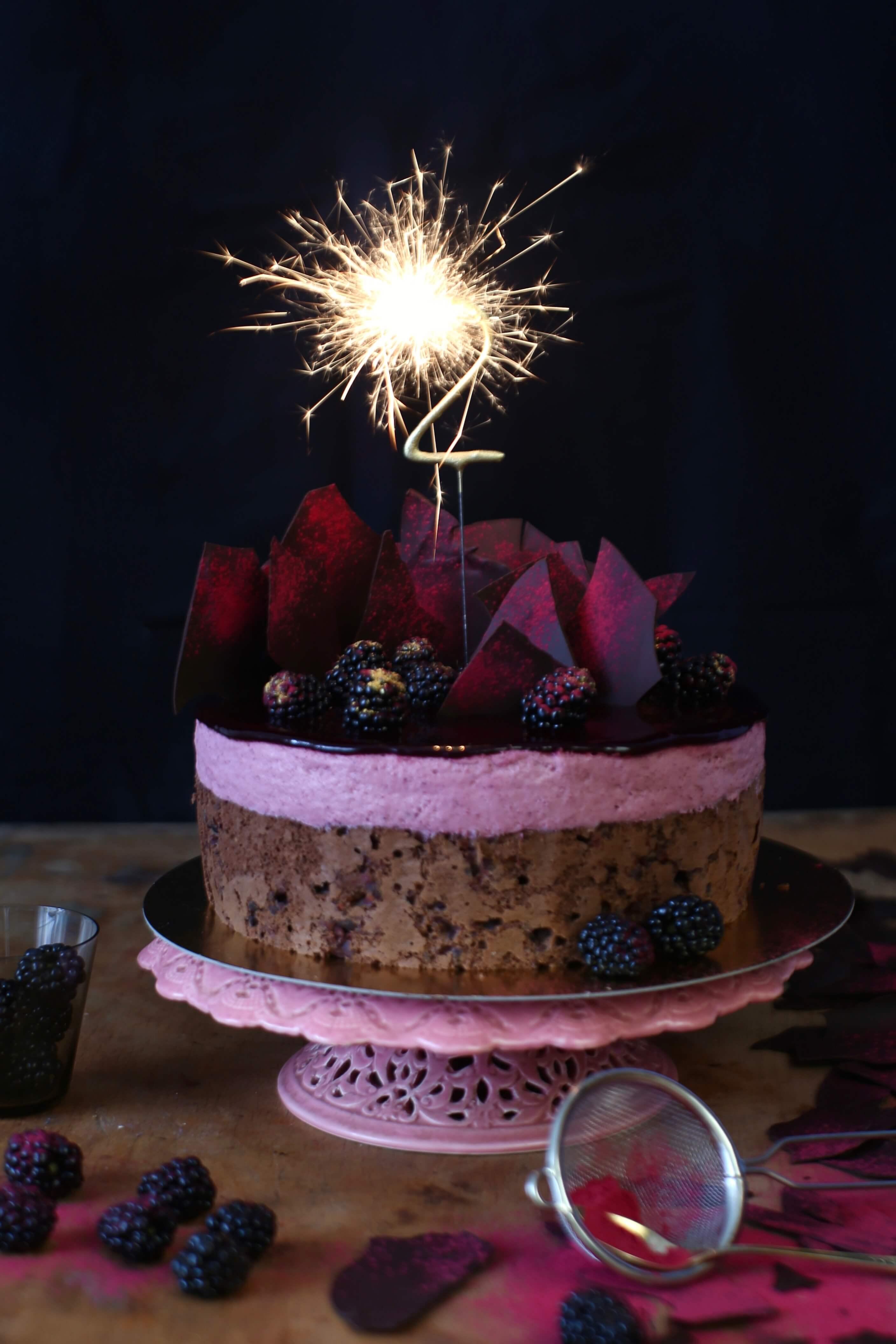Rezept für eine Schoko-Cassis-Torte zum Bloggeburtstag