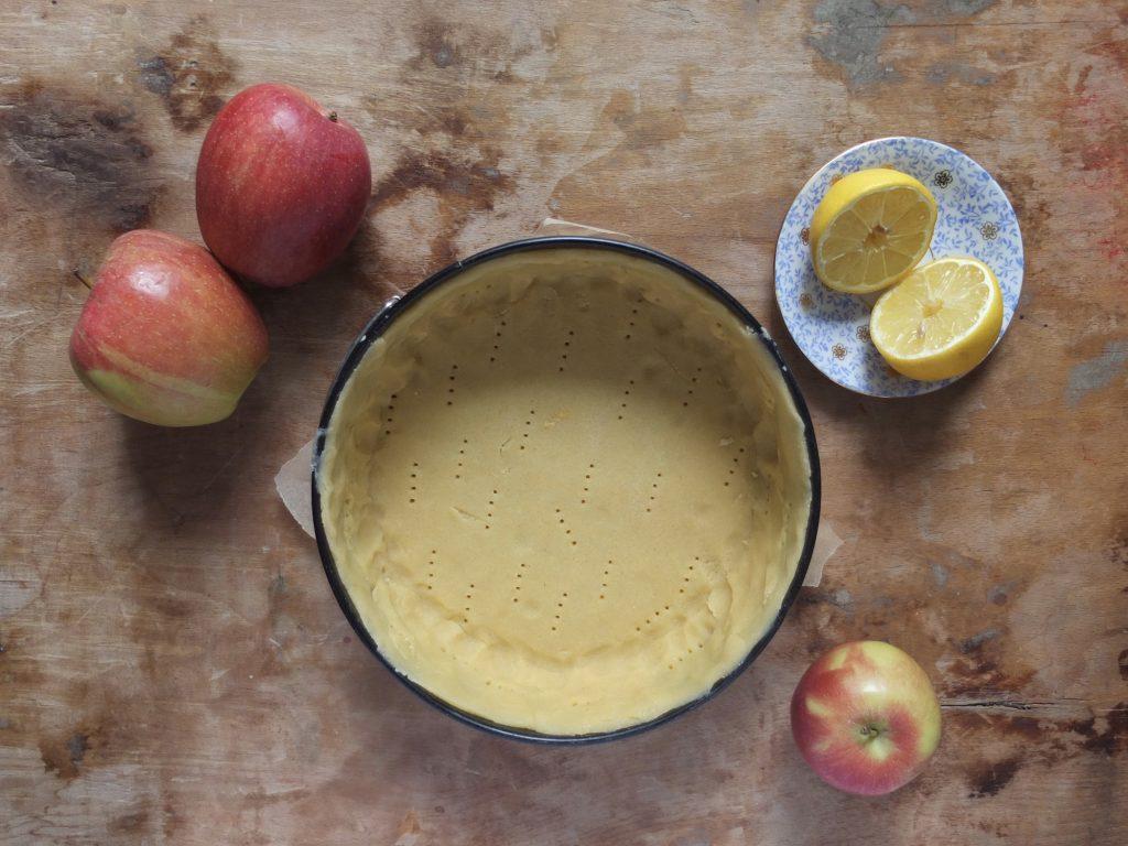 Zubereitung Gedeckter Apfelkuchen - La Crema Patisserie Foodblog Backblog