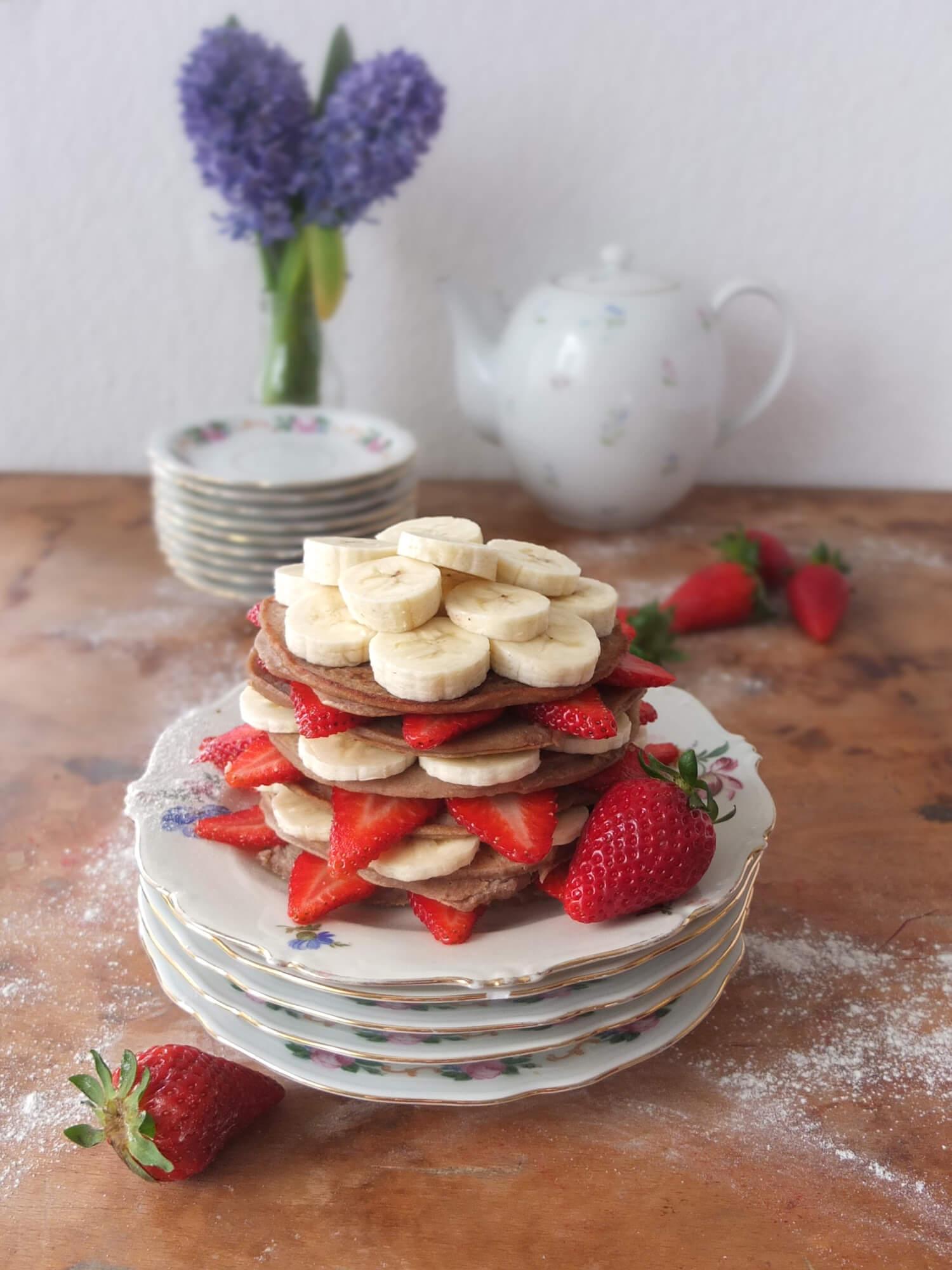 Vegane Buchweizen-Bananen-Pancakes - La Crema Patisserie Foodblog Backblog