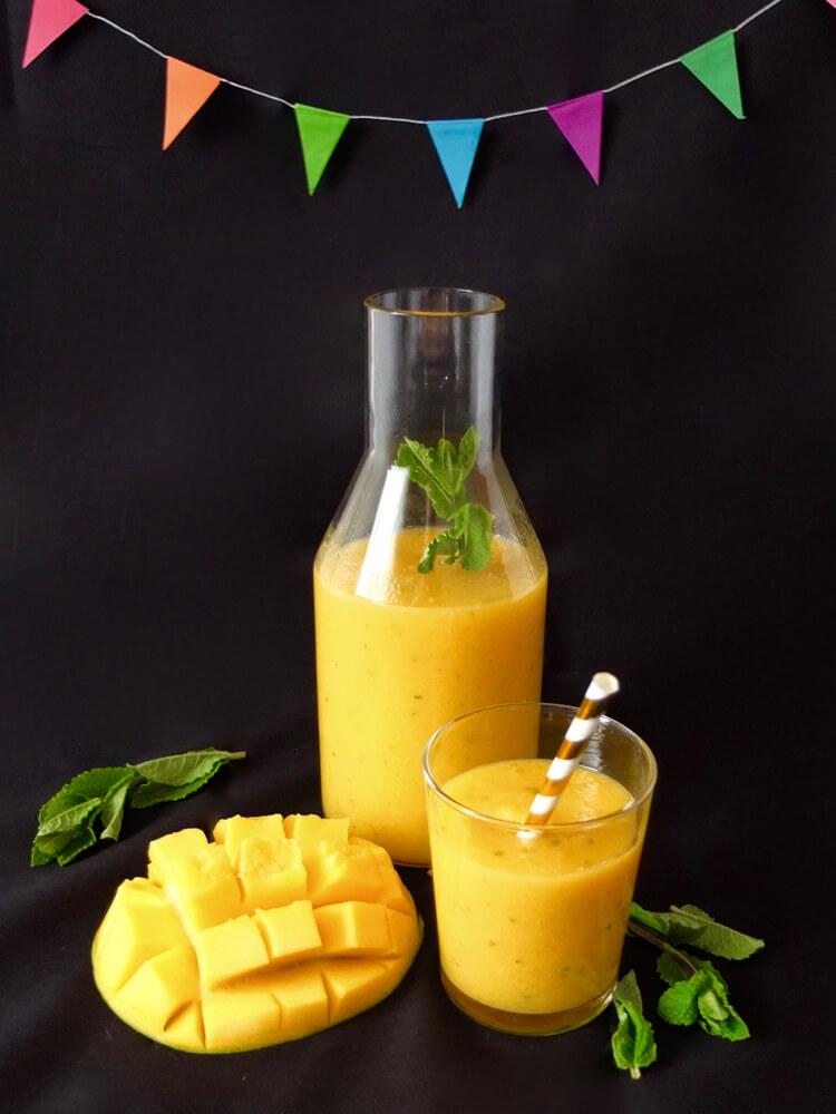 Sommer-Smoothie mit Mango & frischer Minze - La Crema Patisserie Foodblog Backblog