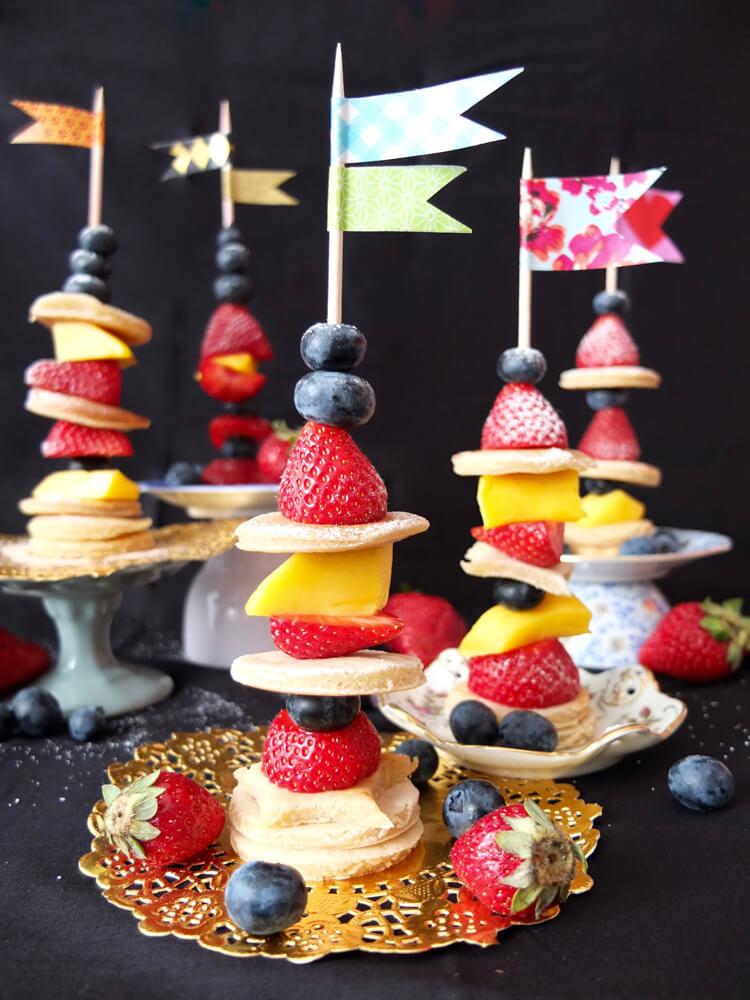 Pancake-Frucht-Spieße - La Crema Patisserie Foodblog Backblog