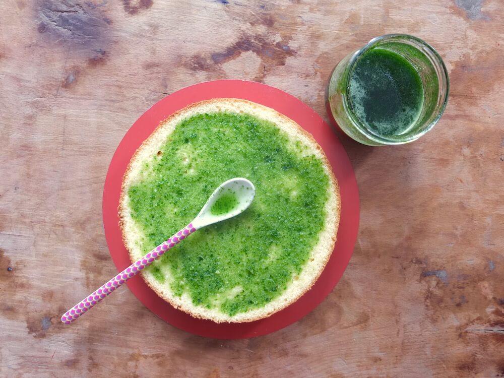 Zubereitung Erdbeer-Basilikum-Torte - La Crema Patisserie Foodblog Backblog