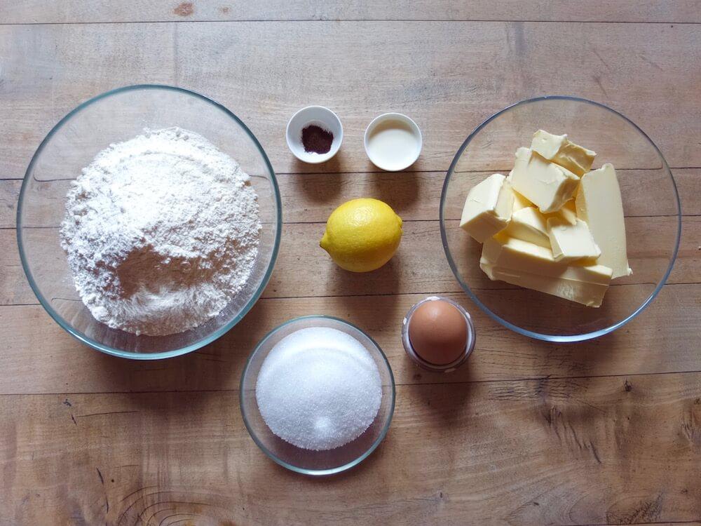 Zutaten Aprikosentarte mit Ingwer, Thymian und Mandeln - La Crema Patisserie Foodblog Backblog