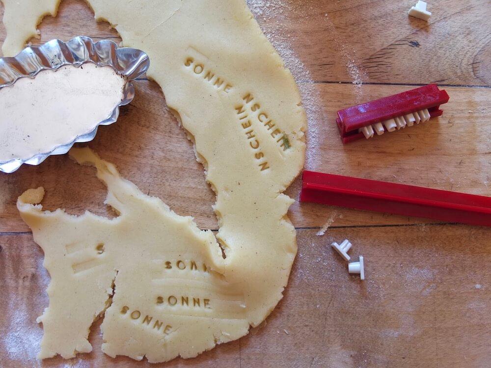 Zubereitung Aprikosentarte mit Ingwer, Thymian und Mandeln - La Crema Patisserie Foodblog Backblog