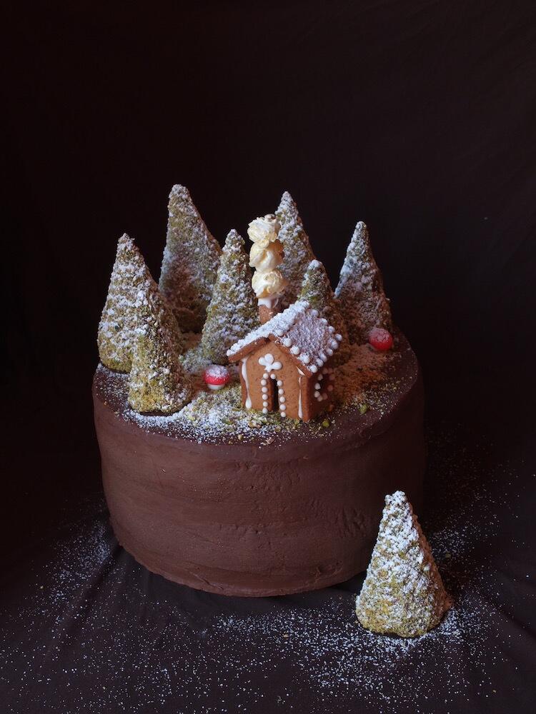 Birne-Helene-Torte mit Winterlandschaft | La Crema Patisserie Food- und Backblog