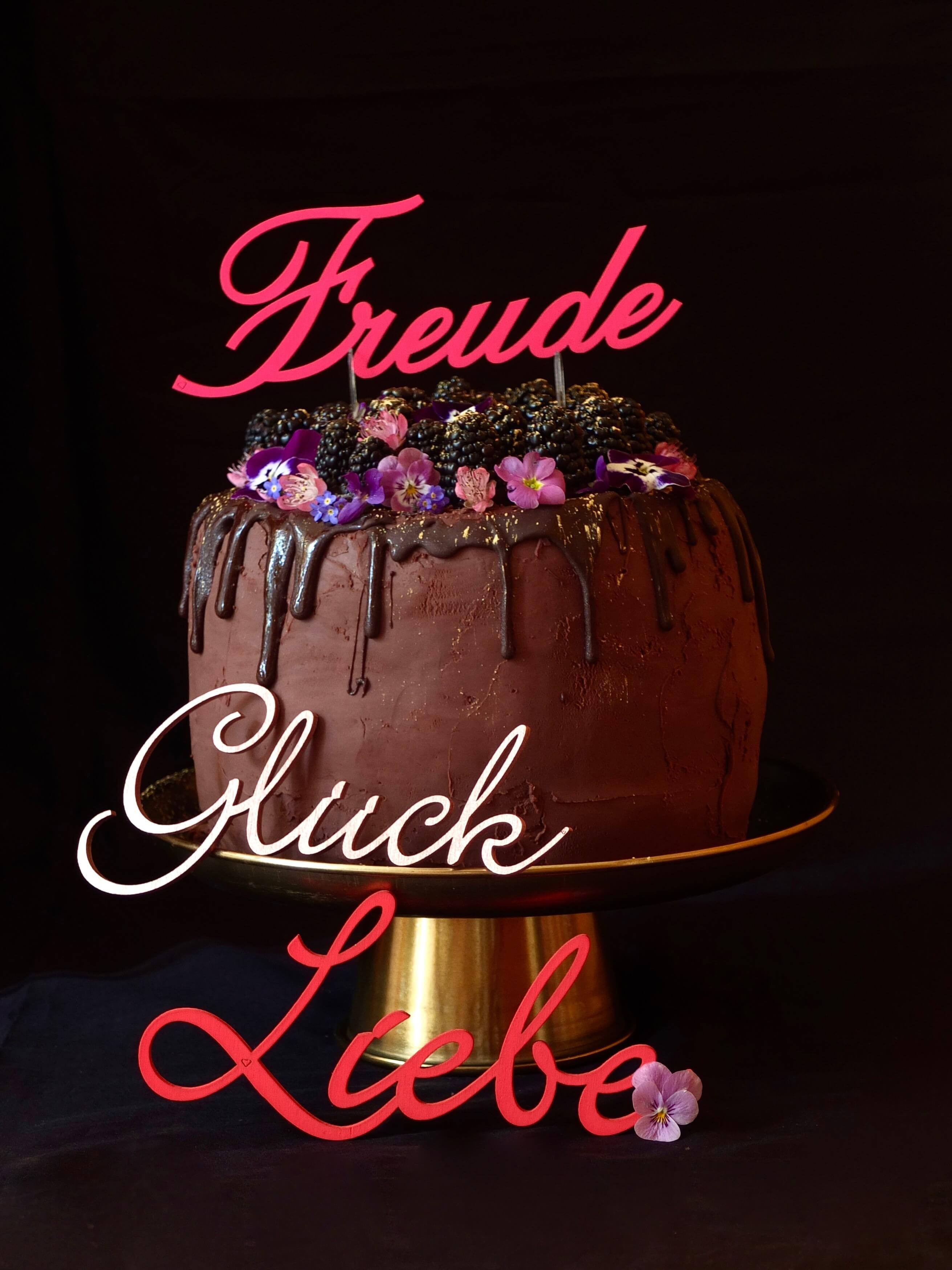 Brombeer-Schoko-Torte Geburtstags Gewinnspiel_La Crema Patisserie Food- und Backblog