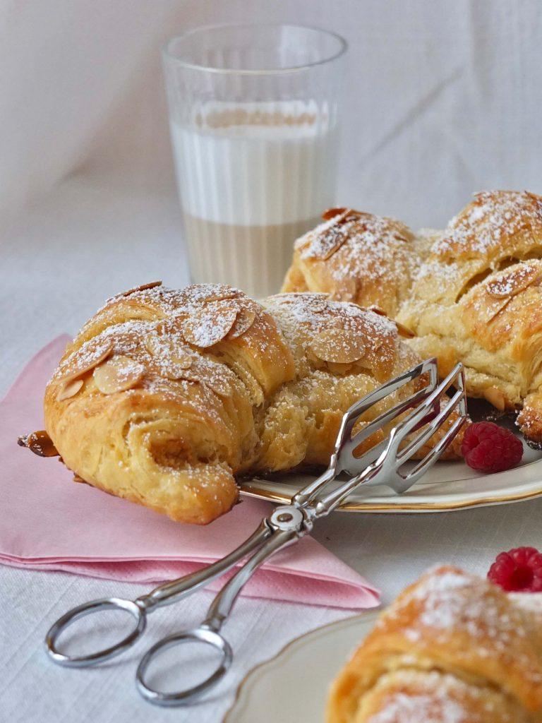 Rezept für Mandel Croissants   Blitzblätterteig selber machen