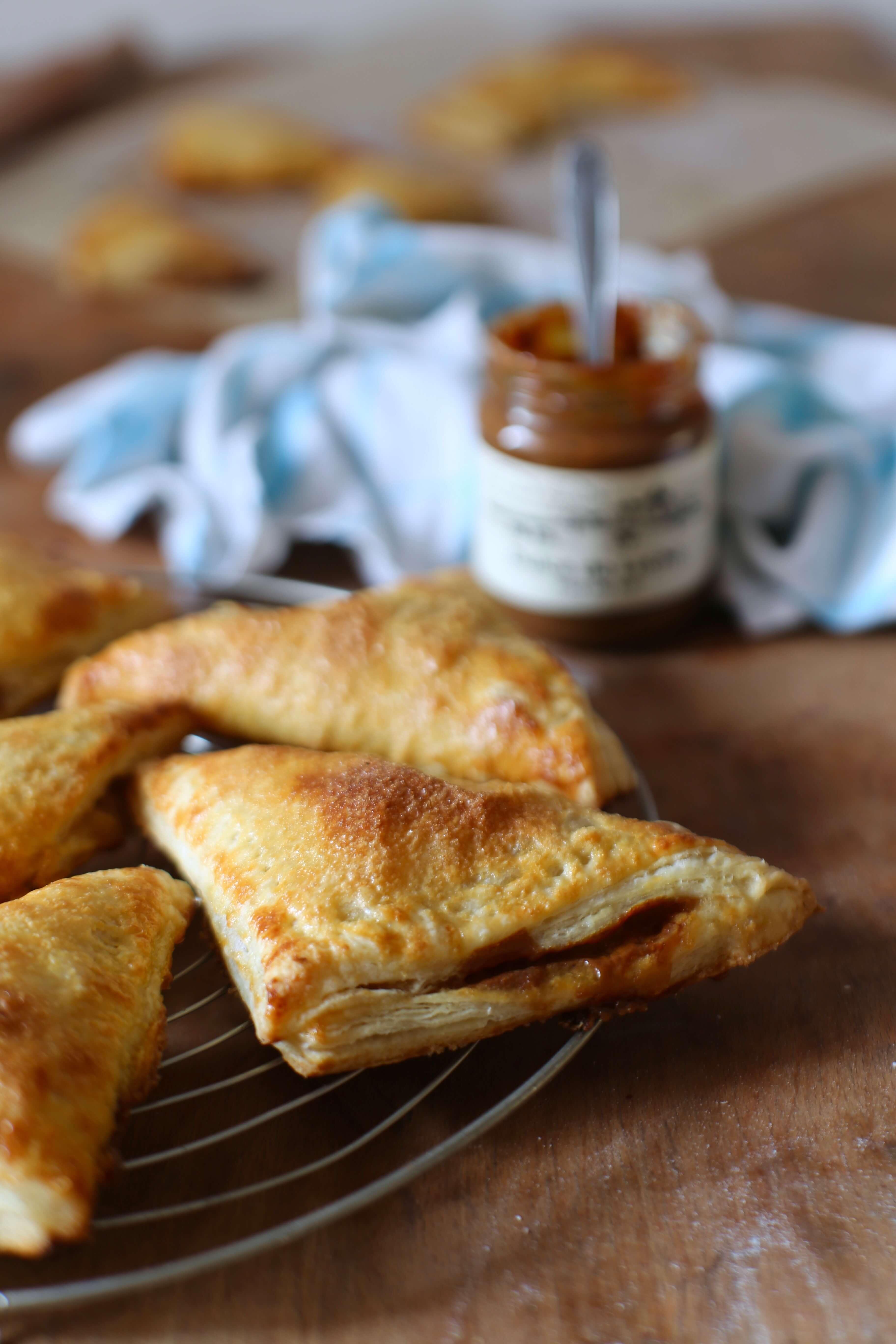 Ein Rezept für köstlichste Apfeltaschen mit Dulce de Leche | Appelflappen meets Karamell