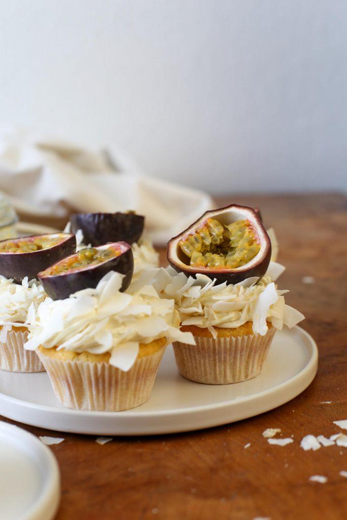 Kokos-Passionsfrucht-Cupcakes | Rezept