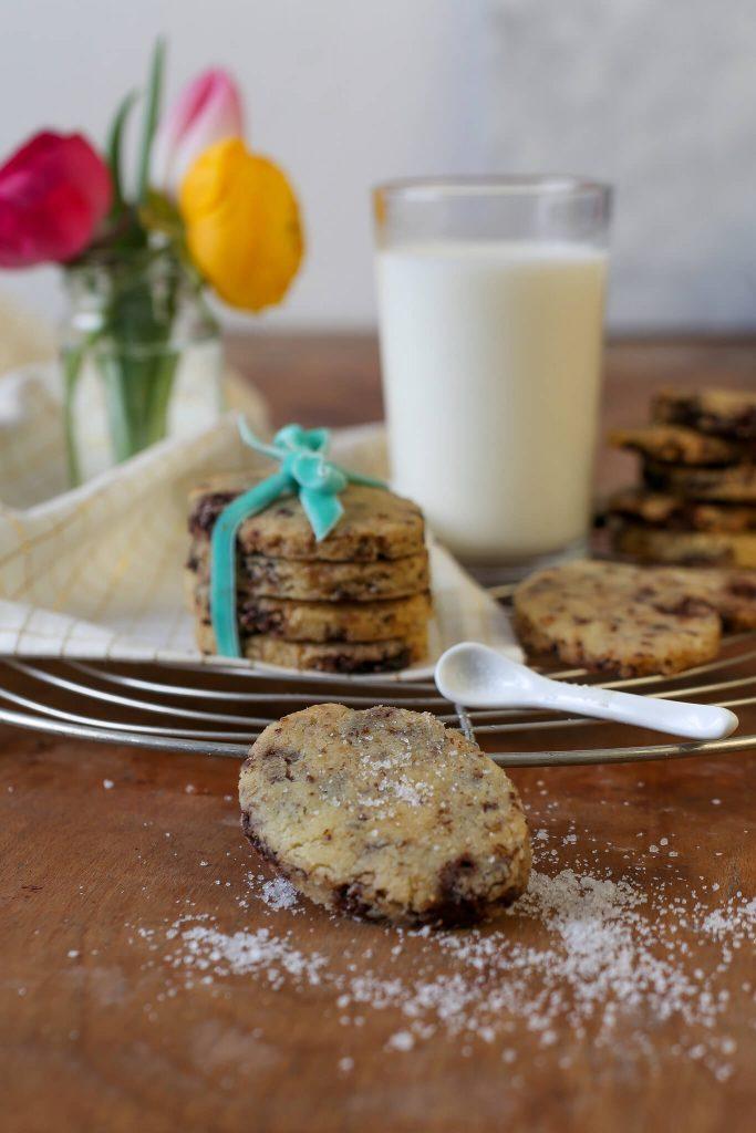 Österliche Chocolate Chip Cookies mit Meersalz | Rezept