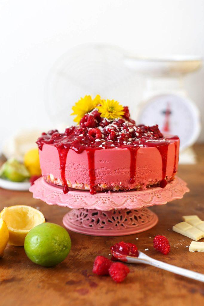 No Bake Himbeertorte mit Limette & Zitronengras | Rezept