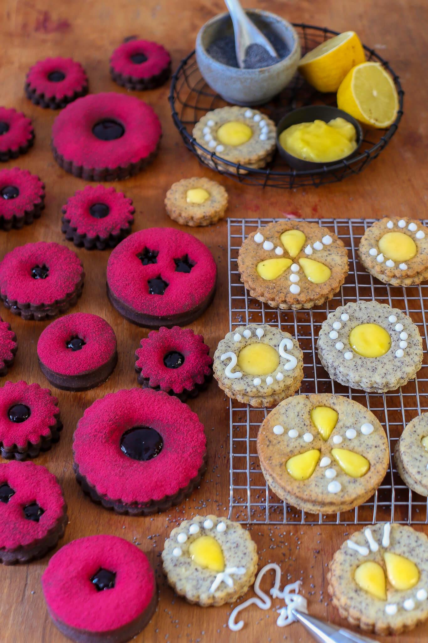 Schoko-Cassis- und Mohn- Zitronen-Spitzbuben | Der Plätzchen Klassiker mal anders | Rezept