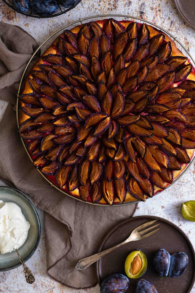 Einfacher Zwetschgenkuchen mit Hefeteig | Rezept