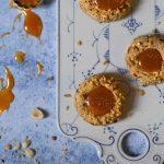 Haselnuss Engelsaugen mit Salzkaramell   Thumbprint Cookies   Rezept